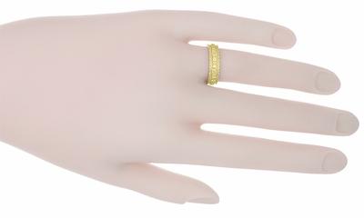 Art Deco Floral Wedding Ring in 18 Karat Yellow Gold - Size 6.5 - Item R238Y - Image 1