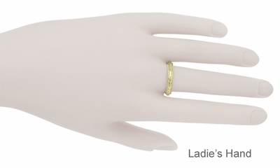 Art Deco Millgrain Edged Hand Engraved Wheat Wedding Ring in 14 Karat Yellow Gold - Item R636Y - Image 3
