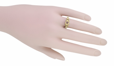 Loving Hearts Art Deco Engraved Antique Style Engagement Ring Setting for a 1 Carat Princess Cut or Round Diamond in 18 Karat Yellow Gold - Item R459Y1 - Image 4