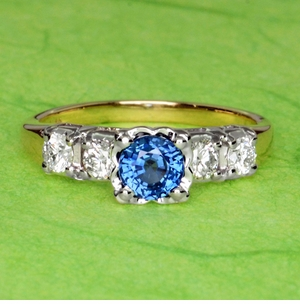 Mid Century Cornflower Blue Sapphire Engagement Ring in 14K Yellow & White Gold | 1950s Vintage Style - Item R728 - Image 6