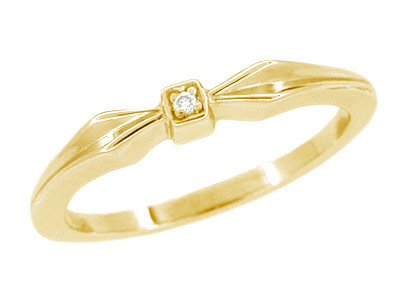 Retro Moderne Bow Motif White Sapphire Band in 14 Karat Yellow Gold