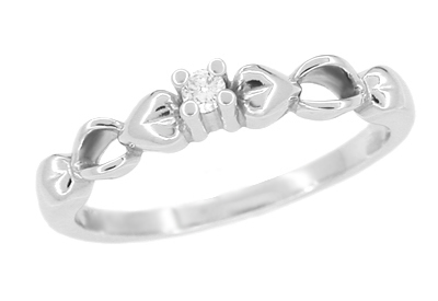Retro Moderne Hearts White Sapphire Promise Ring in 14 Karat White Gold