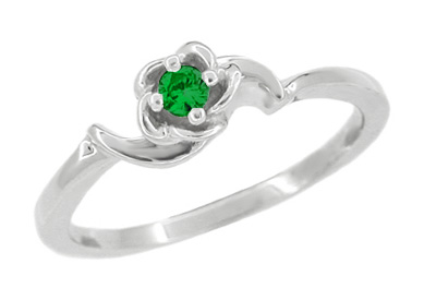 Retro Moderne Rose Emerald Ring in 14 Karat White Gold
