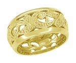 Retro Moderne Scrolls and Leaves Filigree Wedding Ring in 14 Karat Yellow Gold