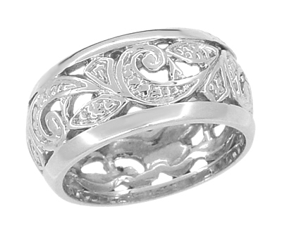Retro Moderne Scrolls and Leaves Filigree Wedding Ring in Platinum