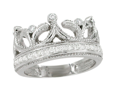 Royal Crown Ring in 18 Karat White Gold with Diamonds