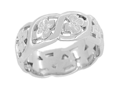 Scrolls and Pansy Flowers Filigree Engraved Ring in Sterling Silver - 7.5mm Wide