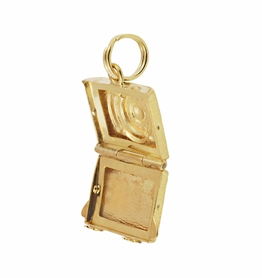 Vintage Moveable Opening Camera Locket Charm in 14 Karat Yellow Gold - Item C657 - Image 1