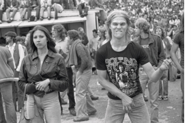 Featured image is reproduced from <I>Joseph Szabo: Rolling Stones Fans</I>.