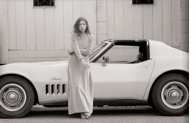 Featured photograph of Joan Didion and her Stingray, photographed for <I>Time Magazine</I>, is  reproduced from <I>Julian Wasser</I>.