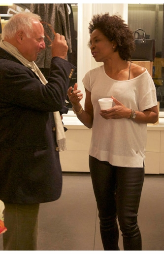 Lorna Simpson Signs 'Works on Paper' at agn�s b.