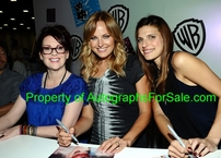 Lake Bell autographed Childrens Hospital calendar 8x10 photo