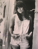 Linda Ronstadt autographed 16x20 poster size black and white photo matted & framed (JSA)