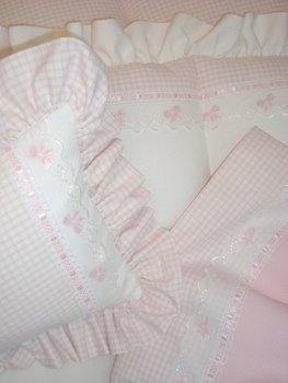 gingham and bows crib bedding