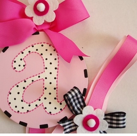 hand painted round wall letter hair bow holder - pink black