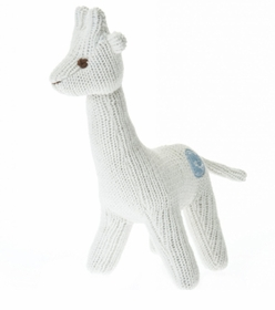 knit giraffe rattle ivory
