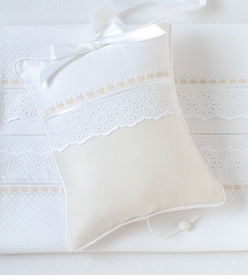 pique crib bedding by blauen