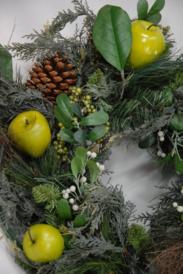 "24"" Green Apple & Pine Cone Wreath"