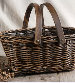 "Baskets Woven Wicker 15"" with double handles"
