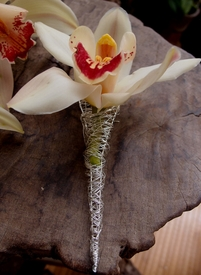 Boutonniere Holder Silver Wire
