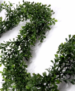 Artificial Boxwood Garland 9ft