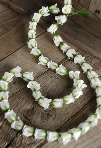 Cream White Silk Rose Bud Lei