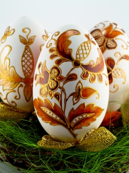 DIY How to Decoupage Styrofoam eggs