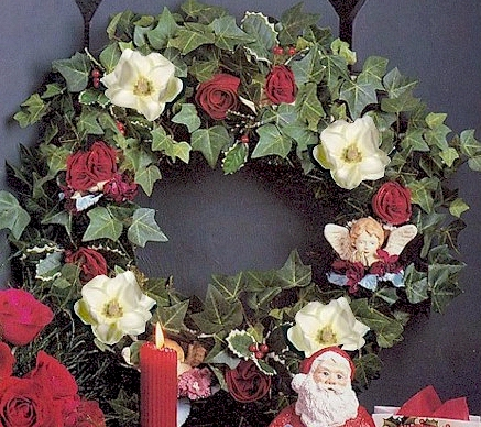 DIY How to make a  Wreath of Magnolias, Roses & Ivy - Click to enlarge
