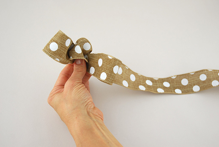 DIY: How to Tie a Loopy Bow