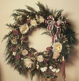 DIY: Make a Christmas Rose Wreath