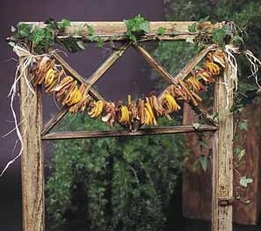 DIY Make a Sugar & Spice Garland