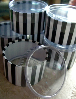 "Favor Boxes Black and White St. Tropez Tiny 2"" (6 boxes/pkg)"