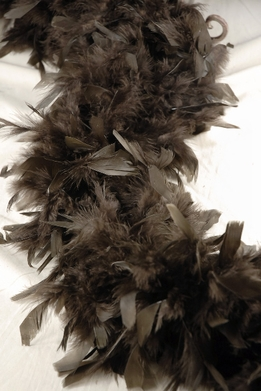 "Feather Boas Chocolate Brown Thick Chandelle 80 gram (9"" wide)"