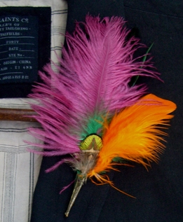Feather Boutonni�re Pink Peacock Feathers