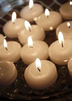Miniature Floating Candles 1.75in (Pack of 20)