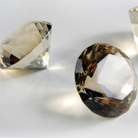 Gold Glass Diamonds 1.5 in.