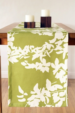 "<font color=""red""><b>HOT BUY!</b></font> Amenity Table Linen Sale: 90"" Fern Table Runner - Cream and Celery"