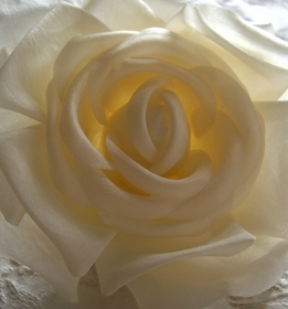 "Ivory 4"" Fabric Rose with Salon Style Clip & Pin"
