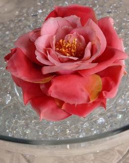 "Natural Touch Flowers Floating Beauty Red Roses (4 3/4"")"