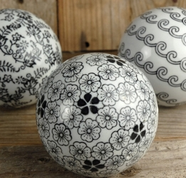 "Porcelain Balls Black & White 4"" (3 balls)"