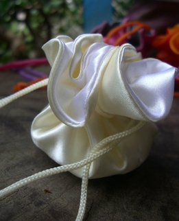 "Satin Favor Bags Reversible 2.5"" White & Cream (12 bags)"