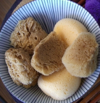 Tiny Natural Sponges (6 makeup sponges)