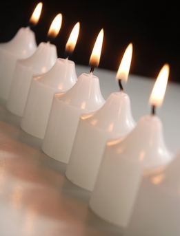 Votive Candles White Gardenia Scented (12 candles)