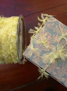 Yellow Wired Ribbon Bow Garland 27 yards