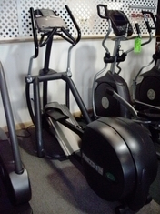 Precor EFX556 HR Elliptical CrossTrainer (Reconditioned)