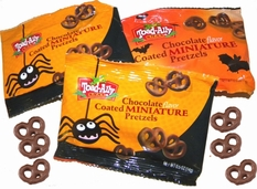 Chocolate Covered Mini Pretzels Mini Bags 18ct Halloween