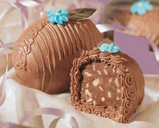 Gardners Chocolate Fudge Nut Egg 1lb