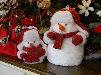 "Decorative Figurine - ""Red Cap Snowman"""