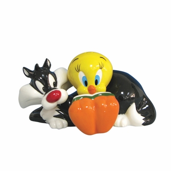 "Salt & Pepper Shakers - ""Tweety & Sylvester Magnetic Salt & Pepper Shakers"""