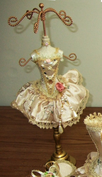 "Victorian Ballerina Jewelry Stand - ""Ivory"""